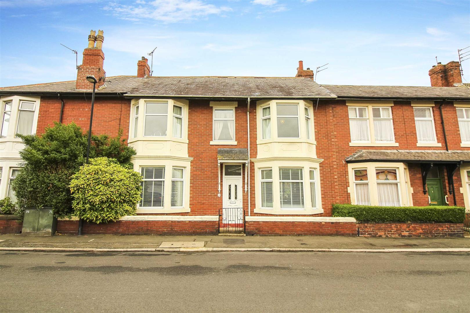 3 House - Terraced
